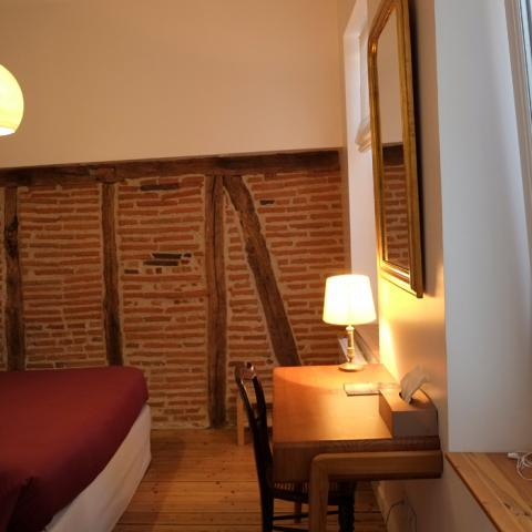 "The room ""Colombages"" in Préau Saint-Jacques, guest house in Castres"